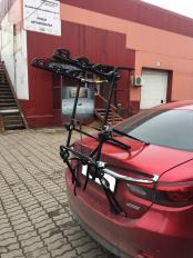 картинка Peruzzo New Hi Bike PZ308 Крепление для 3-х велосипедов на крышку багажника магазин bgznk.ru являющийся официальным дистрибьютором в России